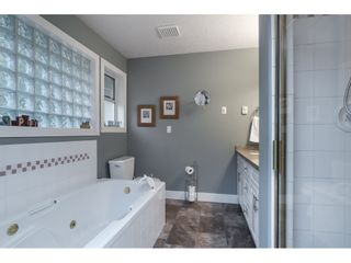 """Photo 11: 87 4001 OLD CLAYBURN Road in Abbotsford: Abbotsford East Townhouse for sale in """"Cedar Springs"""" : MLS®# R2419759"""