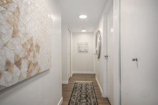 """Photo 11: 807 1188 HOWE Street in Vancouver: Downtown VW Condo for sale in """"1188 HOWE"""" (Vancouver West)  : MLS®# R2162667"""