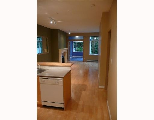 """Photo 2: Photos: 110 1675 W 10TH Avenue in Vancouver: Fairview VW Condo for sale in """"NORFOLK HOUSE"""" (Vancouver West)  : MLS®# V668536"""