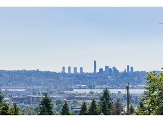 Photo 2: 1221 ROCHESTER Avenue in Coquitlam: Central Coquitlam House for sale : MLS®# R2198636