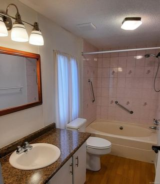 Photo 13: 102 17 Chief Robert Sam Lane in : VR Glentana Manufactured Home for sale (View Royal)  : MLS®# 881814