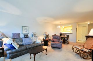 """Photo 9: 314 6707 SOUTHPOINT Drive in Burnaby: South Slope Condo for sale in """"MISSION WOODS"""" (Burnaby South)  : MLS®# R2201972"""