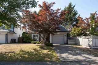 Photo 1: 9757 151B Street in Surrey: Guildford House for sale (North Surrey)  : MLS®# R2305093