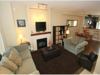 Photo 2: 3 2979 156TH Street in Surrey: Grandview Surrey Condo for sale (South Surrey White Rock)  : MLS®# F1304497