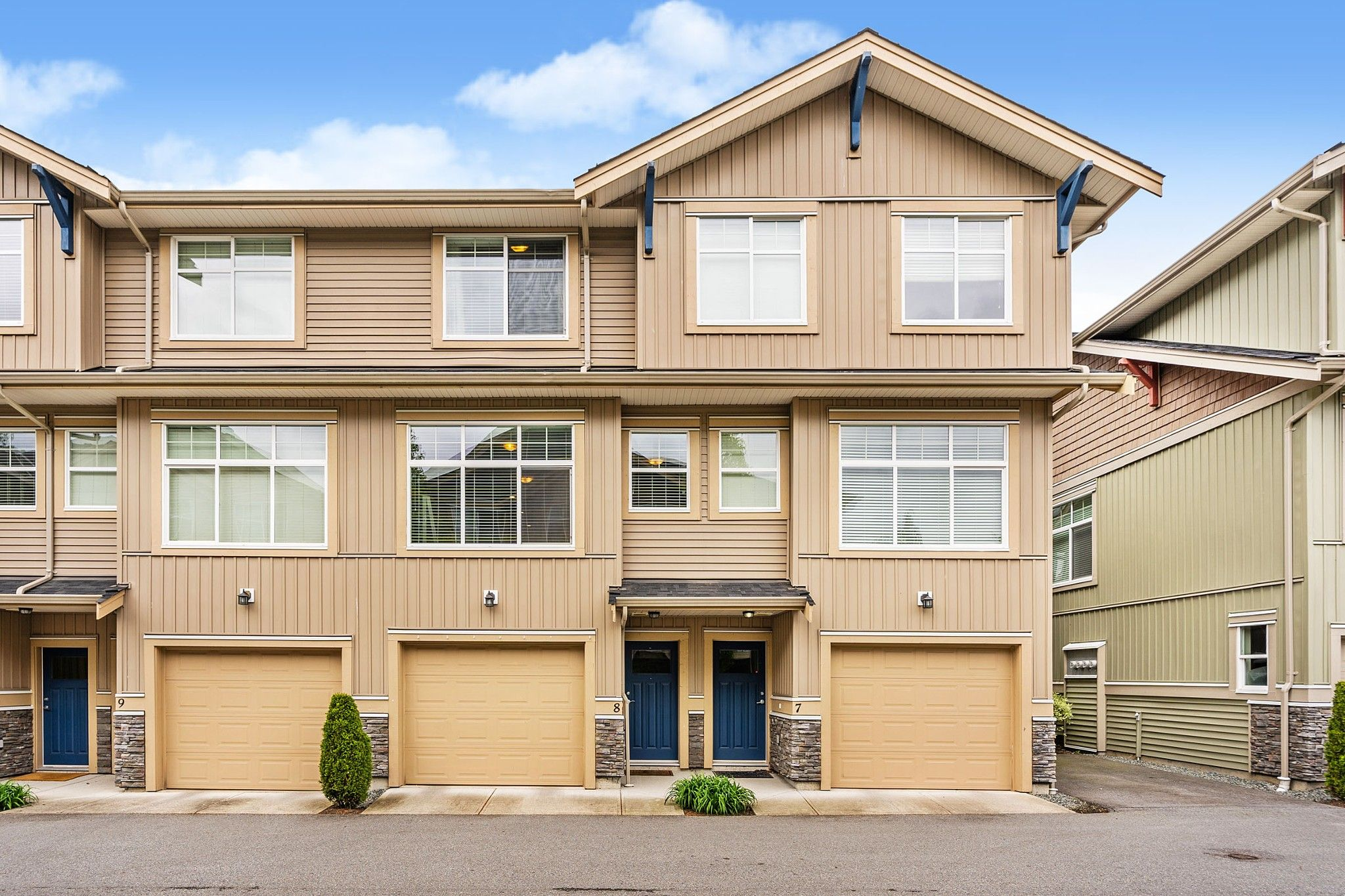 """Main Photo: 8 20966 77A Avenue in Langley: Willoughby Heights Townhouse for sale in """"Nature's Walk"""" : MLS®# R2576973"""