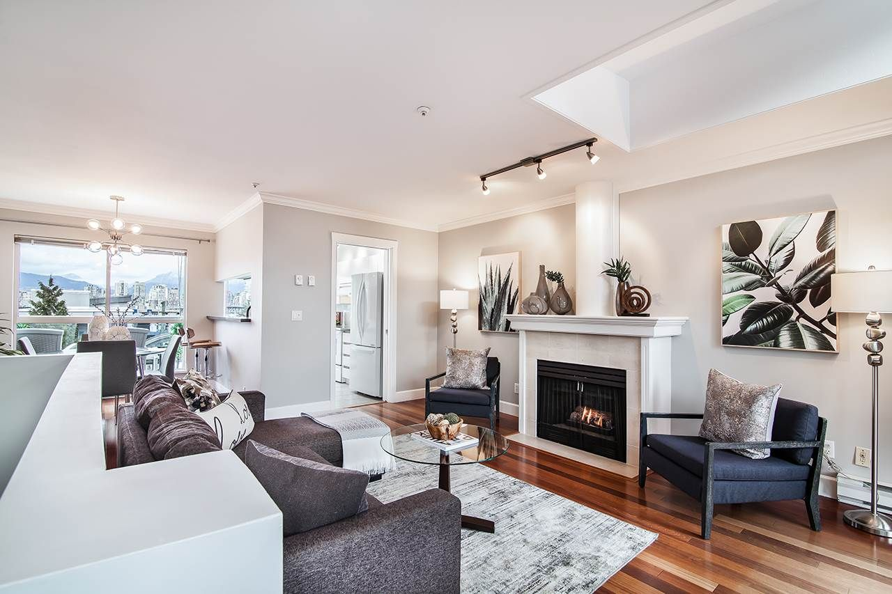 """Main Photo: 42 1385 W 7TH Avenue in Vancouver: Fairview VW Townhouse for sale in """"NOTTINGHAM"""" (Vancouver West)  : MLS®# R2236181"""