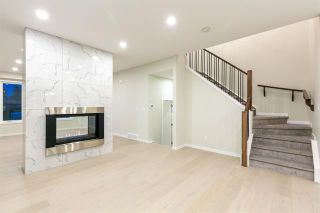 Photo 3: 4365 72 Street NW in Calgary: Bowness Semi Detached for sale : MLS®# C4302489