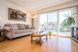 Photo 2: 4397 ELGIN STREET in Vancouver: Fraser VE House for sale (Vancouver East)  : MLS®# R2214005