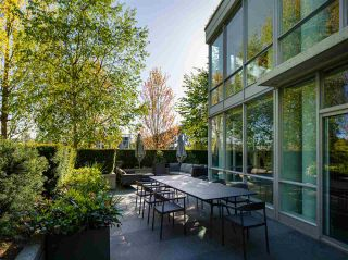 """Photo 9: TH103 633 KINGHORNE Mews in Vancouver: Yaletown Townhouse for sale in """"ICON II"""" (Vancouver West)  : MLS®# R2574326"""