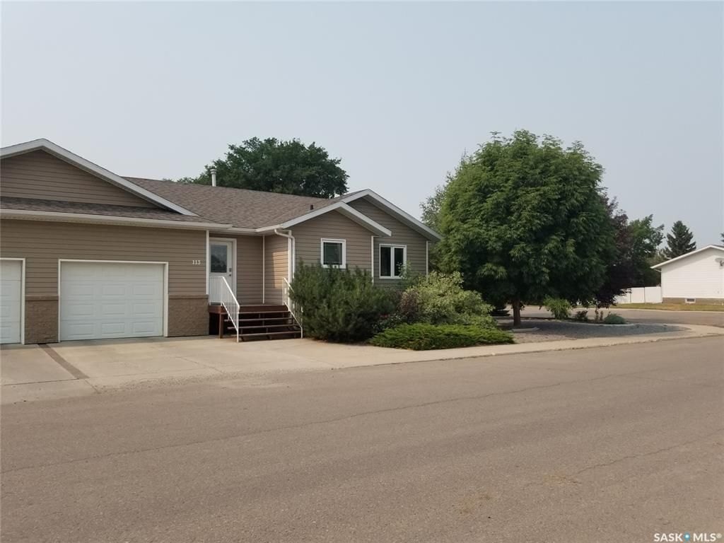 Main Photo: 113 2nd Street West in Unity: Residential for sale : MLS®# SK865143