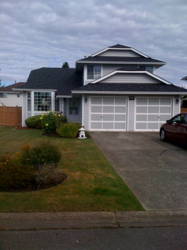 "Main Photo: 15445 93A Avenue in Surrey: Fleetwood Tynehead House for sale in ""BERKSHIRE"" : MLS®# F1023310"