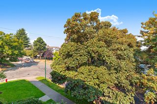 """Photo 17: 311 1988 MAPLE Street in Vancouver: Kitsilano Condo for sale in """"THE MAPLES"""" (Vancouver West)  : MLS®# R2497159"""