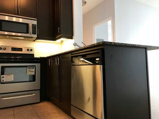 Photo 5: 2201 90 Absolute Avenue in Mississauga: City Centre Condo for lease : MLS®# W4480391