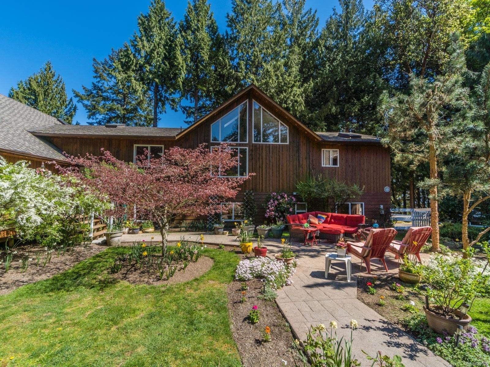 Main Photo: 2485 Pylades Dr in : Na Cedar House for sale (Nanaimo)  : MLS®# 873595