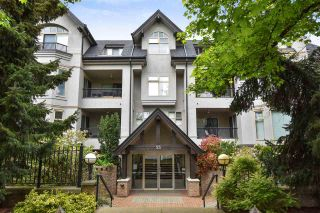 """Photo 1: 104 55 E 10TH Avenue in Vancouver: Mount Pleasant VE Condo for sale in """"ABBEY LANE"""" (Vancouver East)  : MLS®# R2265111"""