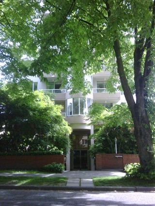 """Photo 26: 301 1566 W 13 Avenue in Vancouver: Fairview VW Condo for sale in """"Royal Gardens"""" (Vancouver West)  : MLS®# R2011878"""