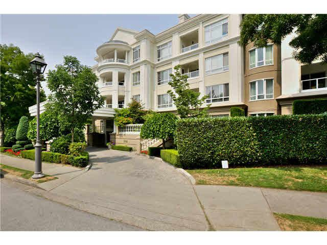 Main Photo: 129 5735 HAMPTON Place in Vancouver: University VW Condo for sale (Vancouver West)  : MLS®# V1133717