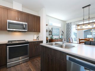 Photo 12: 3460 SPARROWHAWK Ave in : Co Royal Bay House for sale (Colwood)  : MLS®# 876586