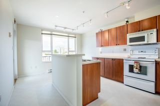"""Photo 7: 415 7089 MONT ROYAL Square in Vancouver: Champlain Heights Condo for sale in """"CHAMPLAIN VILLAGE"""" (Vancouver East)  : MLS®# R2394689"""