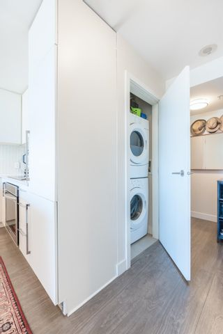 """Photo 11: 1406 668 COLUMBIA Street in New Westminster: Quay Condo for sale in """"TRAPP AND HOLBROOK"""" : MLS®# R2609883"""