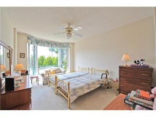 """Photo 17: 303 1705 MARTIN Drive in Surrey: Sunnyside Park Surrey Condo for sale in """"SOUTHWYND"""" (South Surrey White Rock)  : MLS®# F1420126"""