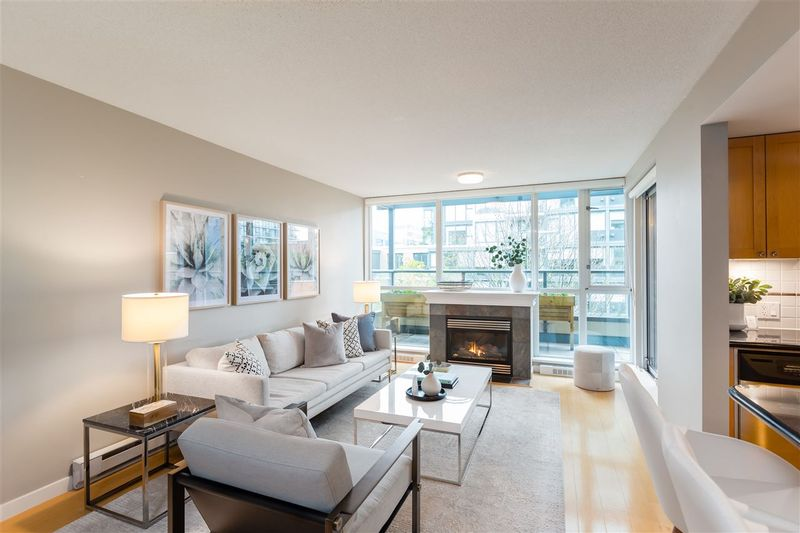 FEATURED LISTING: 409 - 1425 6TH Avenue West Vancouver