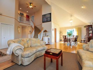 Photo 2: 1400 MALAHAT DRIVE in COURTENAY: CV Courtenay East House for sale (Comox Valley)  : MLS®# 782164