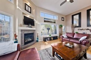 Photo 5: 310 Inglewood Grove SE in Calgary: Inglewood Row/Townhouse for sale : MLS®# A1100172