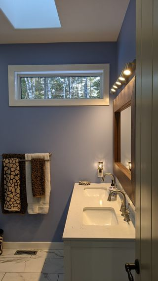 Photo 16: 195 Grand Pines Drive: Traverse Bay Single Family Detached for sale (R27)
