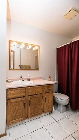 Photo 16: 506 Hall Crescent in Saskatoon: Westview Heights Residential for sale : MLS®# SK737137