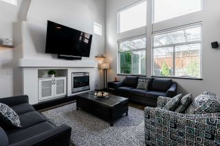 """Photo 7: 20163 69 Avenue in Langley: Willoughby Heights House for sale in """"Jefferies Brook"""" : MLS®# R2557300"""