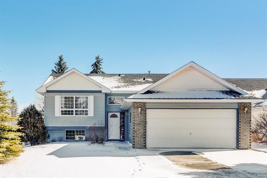 Main Photo: 16 Meadow Close: Cochrane Detached for sale : MLS®# A1088829
