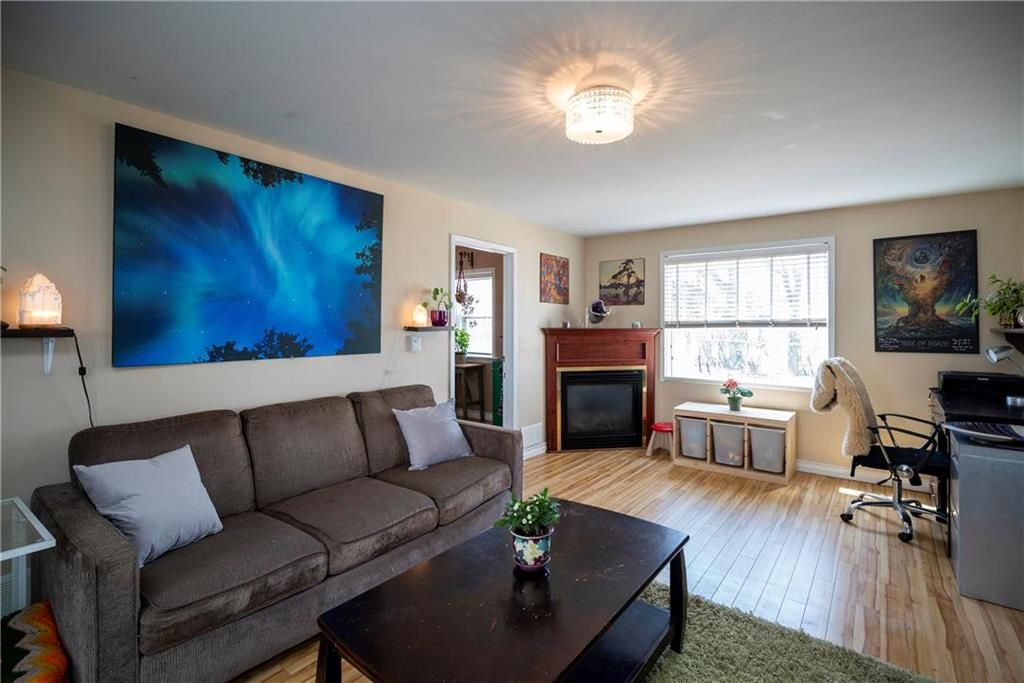 Photo 7: Photos: 711 Rosedale Avenue in Winnipeg: Lord Roberts Residential for sale (1Aw)  : MLS®# 202008672