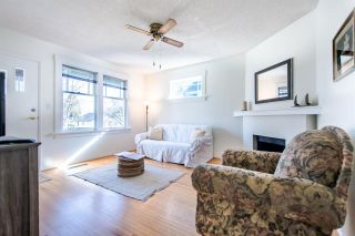 Photo 3: 411 KELLY Street in New Westminster: Sapperton House for sale : MLS®# R2444099