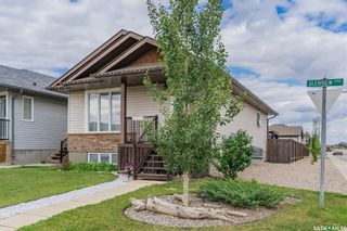 Photo 2: 863 Glenview Cove in Martensville: Residential for sale : MLS®# SK867982