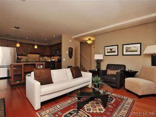 Photo 3: 631 Avalon Rd in VICTORIA: Vi James Bay Half Duplex for sale (Victoria)  : MLS®# 640799