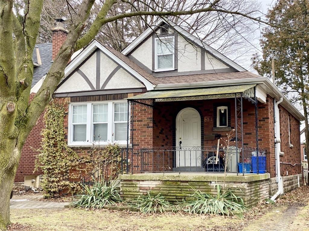 Main Photo: 58 CLINE Avenue S in Hamilton: House for sale : MLS®# H4071495