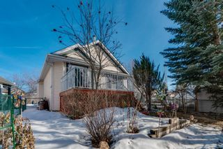 Photo 3: 63 Douglas Glen Place SE in Calgary: Douglasdale/Glen Detached for sale : MLS®# A1079708