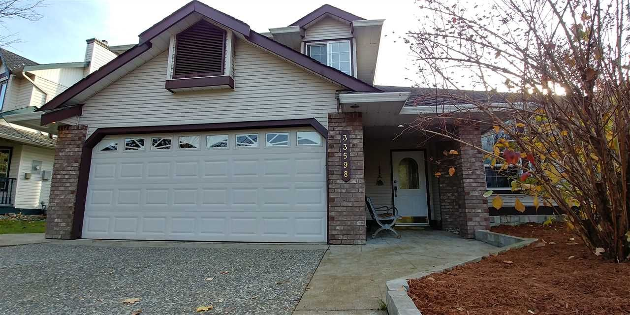 """Main Photo: 33598 11 Avenue in Mission: Mission BC House for sale in """"Heritage Park / College Heights"""" : MLS®# R2414872"""