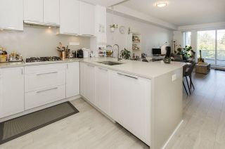 """Photo 6: 312 6677 CAMBIE Street in Vancouver: South Cambie Condo for sale in """"Mosaic Homes Cambria South"""" (Vancouver West)  : MLS®# R2409599"""