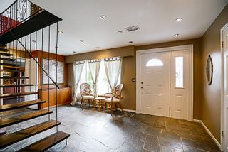 Photo 2: 919 N DOLLARTON Highway in North Vancouver: Dollarton House for sale : MLS®# R2136365