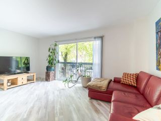 "Photo 5: 210 JAMES Road in Port Moody: Port Moody Centre Townhouse for sale in ""TALL TREE ESTATES"" : MLS®# R2405921"