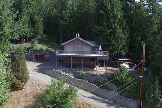 Photo 2: 7353 Kendean Road: Anglemont House for sale (North Shuswap)  : MLS®# 10239184