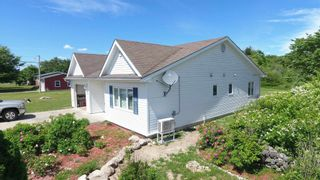 Photo 2: 118 Clements Street in Shelburne: 407-Shelburne County Residential for sale (South Shore)  : MLS®# 202107282