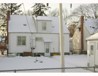 Photo 2: 229 DONALDA Avenue in WINNIPEG: East Kildonan Residential for sale (North East Winnipeg)  : MLS®# 2822432