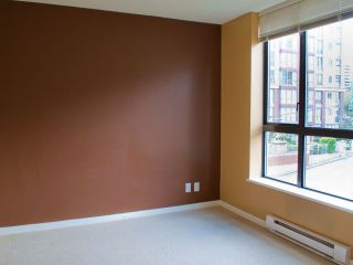 """Photo 7: 302 833 AGNES Street in New Westminster: Downtown NW Condo for sale in """"NEWS"""" : MLS®# V855336"""