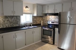 Photo 2: 5009 56 Street: Elk Point Manufactured Home for sale : MLS®# E4214771
