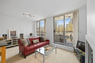 """Photo 1: 304 1225 RICHARDS Street in Vancouver: Downtown VW Condo for sale in """"The Eden"""" (Vancouver West)  : MLS®# R2567763"""