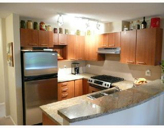 Photo 4: 467 9100 FERNDALE Road in Richmond: McLennan North Condo for sale : MLS®# V713457