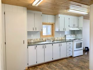 "Photo 5: 55 95 LAIDLAW Road in Smithers: Smithers - Rural Manufactured Home for sale in ""MOUNTAINVIEW MOBILE HOME PARK"" (Smithers And Area (Zone 54))  : MLS®# R2411956"